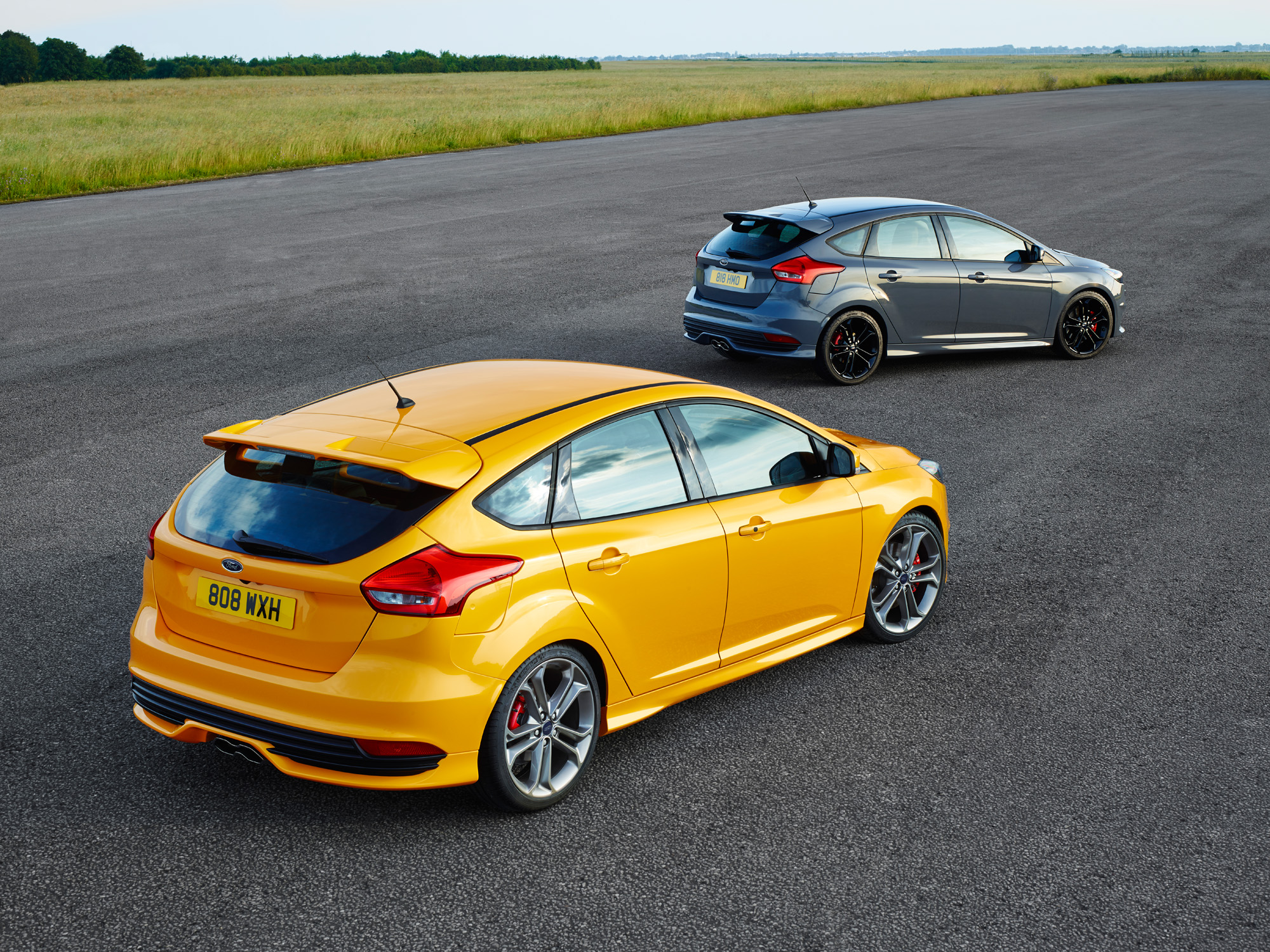 ford focus st 2014 aufgefrischter sportgarant mit 250 ps tuning. Black Bedroom Furniture Sets. Home Design Ideas