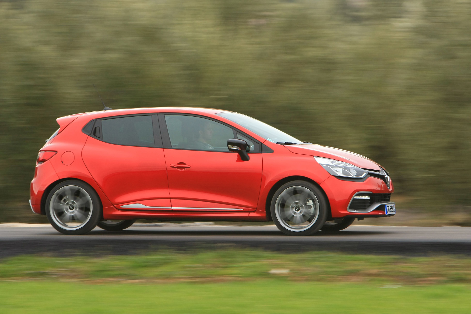 Über Land ist's im Renault Clio R.S. immer noch am schönsten