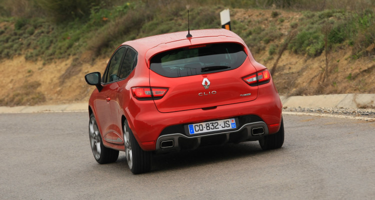 renault-clio-rs-2013-22