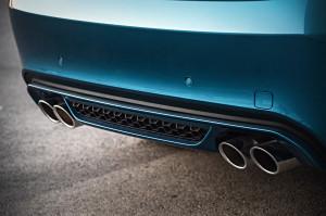 Spoilerlippe, Diffusor und zwei Doppelendrohre: Der BMW X6 M unterstreicht seine Kräfte