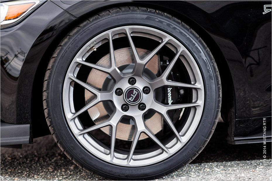 Auch für's Räderwerk des Ford Mustang VI hat Tuner RTR was im Gepäck
