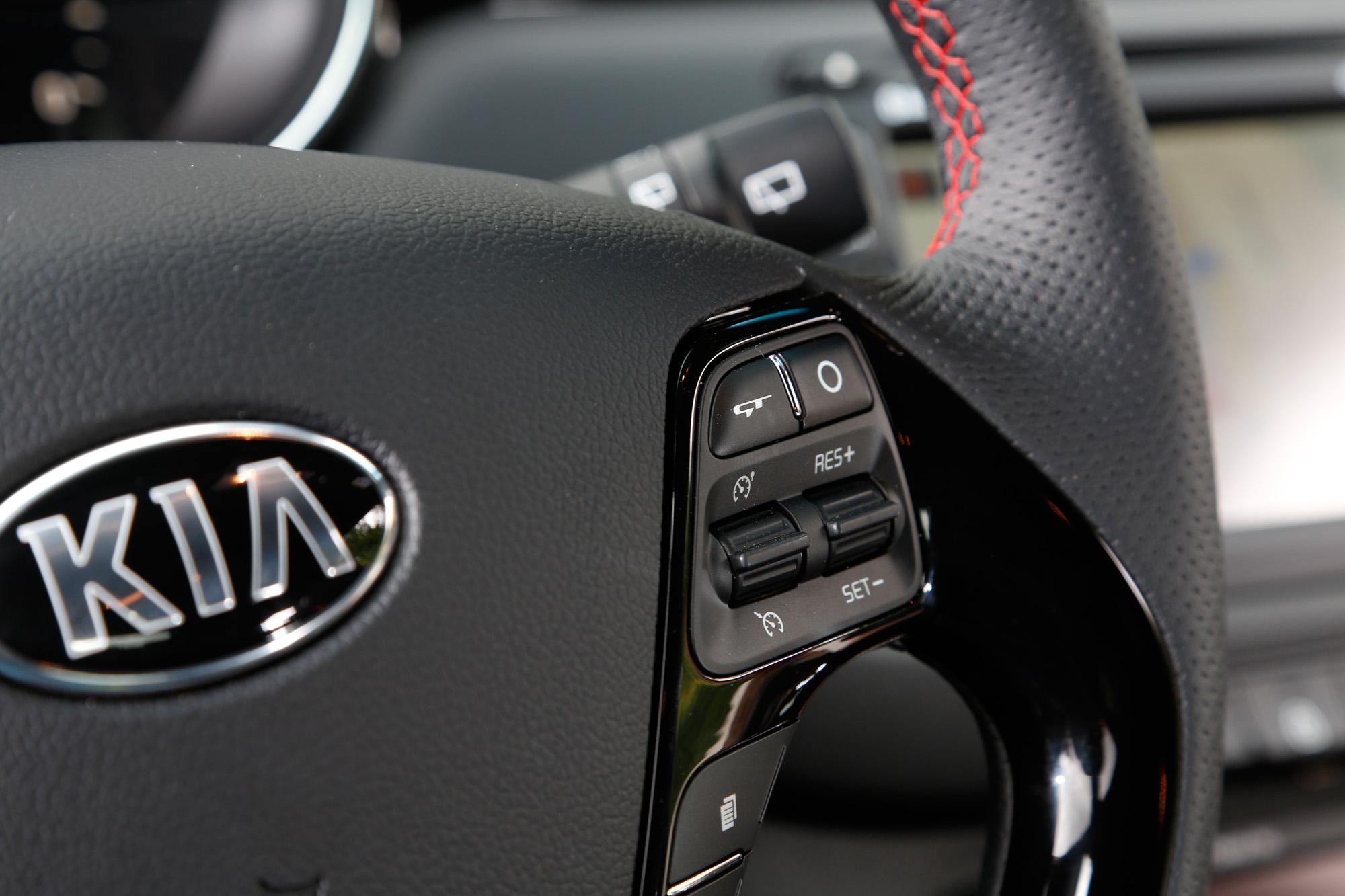 Tempomat auf Knopfdruck: Auch für Langstrecken eignet sich der Kia cee'd GT Track