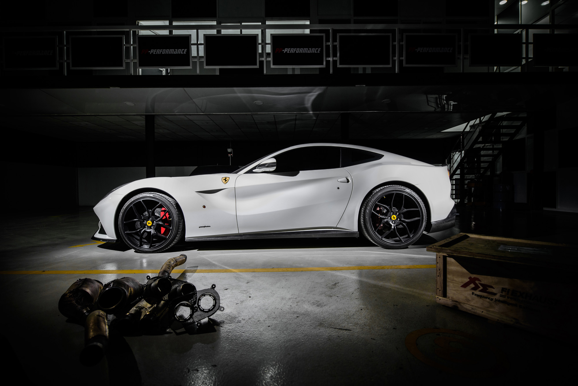 ferrari-f12-berlinetta-pp-performance-001