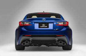 Heckpower für den Lexus RC F: Die schräg angesetzten Doppelendrohre sind auffällig