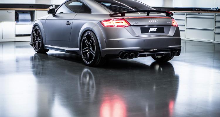 Stolz inszeniert: Der Audi TT von ABT präsentiert sich in Gunmetal-Optik.