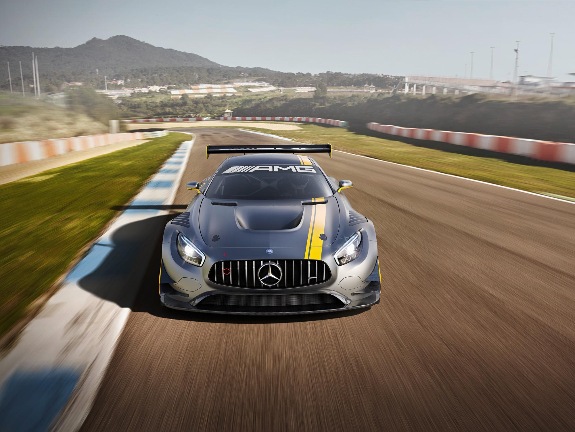 Zeigt sich gerne mal im Rückspiegel: Der neue Mercedes-AMG GT3.