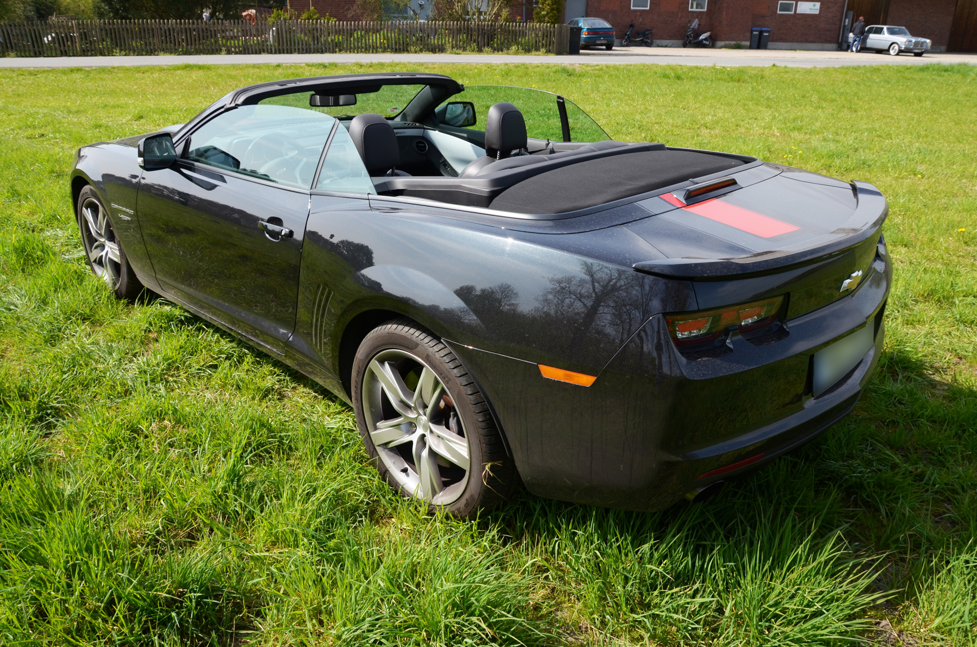 chevrolet-camaro-45th-anniversary-edition-11