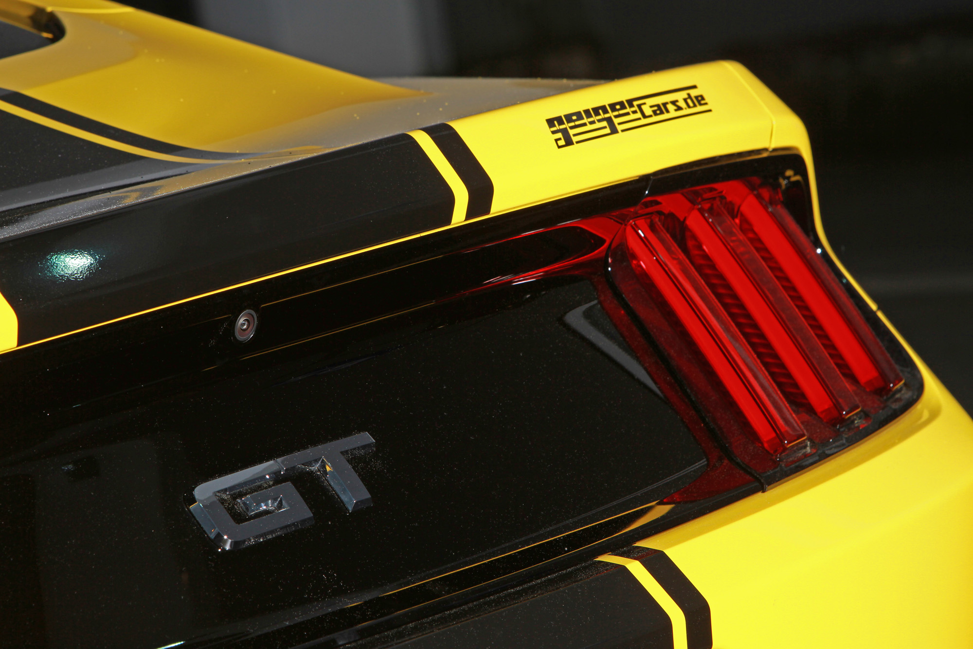 ford-mustang-gt-fastback-geigercars-07