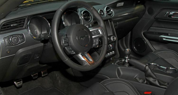 Auch der Innenraum des Ford Mustang Fastback GT kann punkten.