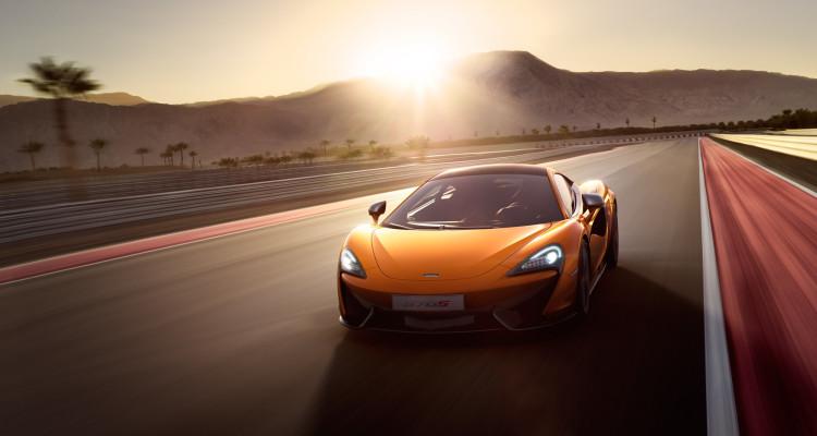 Der Sonne entgegen: Mit dem McLaren 570S machen auch Tagesausflüge Spaß.