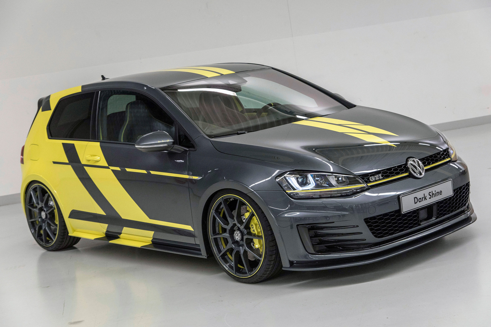 vw golf gti dark shine w rthersee projekt mit kontrastlook. Black Bedroom Furniture Sets. Home Design Ideas