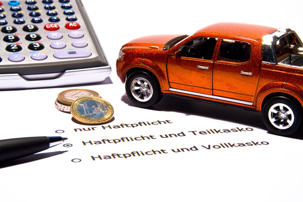 Auch die Frage nach der richtigen Police stellt sich: Wie wirkt sich Auto Tuning auf die Kaskobeiträge aus? // © Thorben Wengert