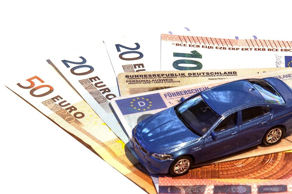 Vor allem für Besitzer eines Tuningfahrzeugs lohnt sich eine genaue Recherche bei der Kfz-Versicherung.