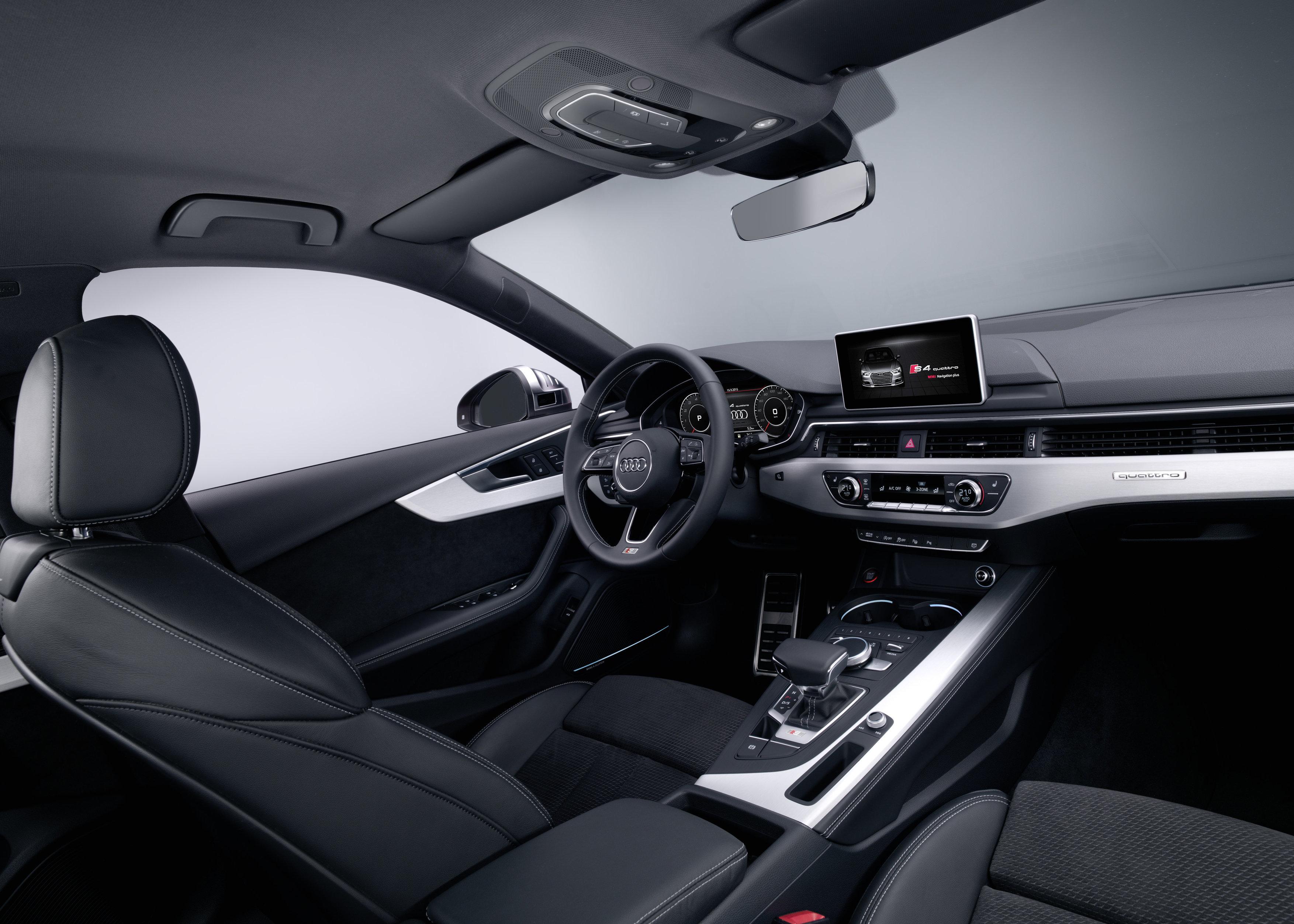 Im Innenraum des S4 lassen sich einige Design-Anleihen vom aktuellen A3 und TT finden.