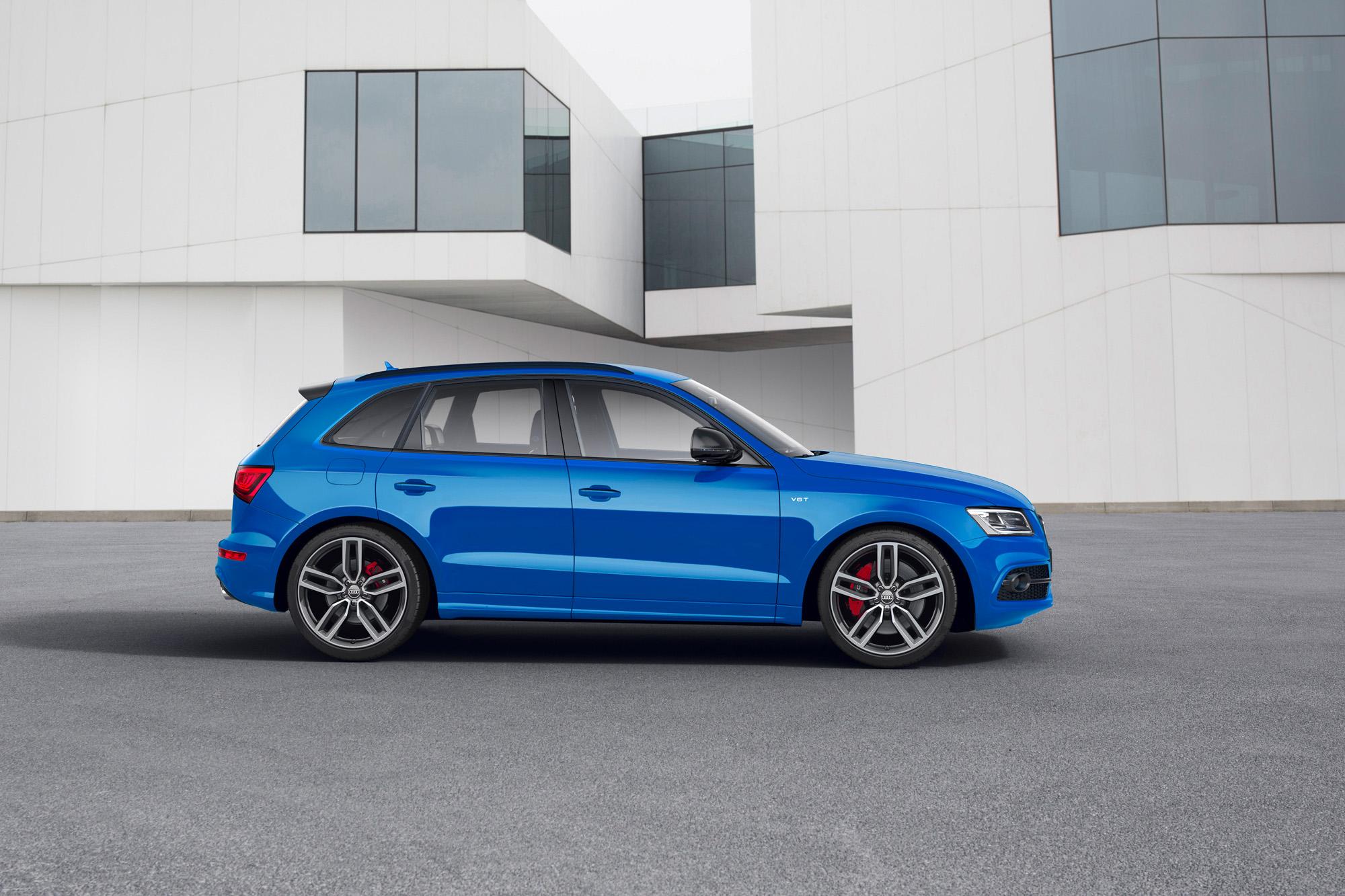 Die 5-Doppelspeichen-Räder erinnern schon an die Felgen des Audi RS 6.