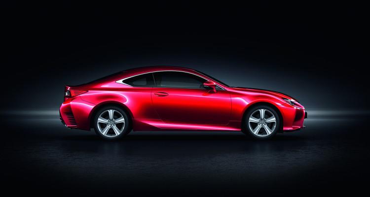 Schnittig und elegant zugleich: Der Lexus RC 200t macht schon vor Marktstart eine gute Figur.