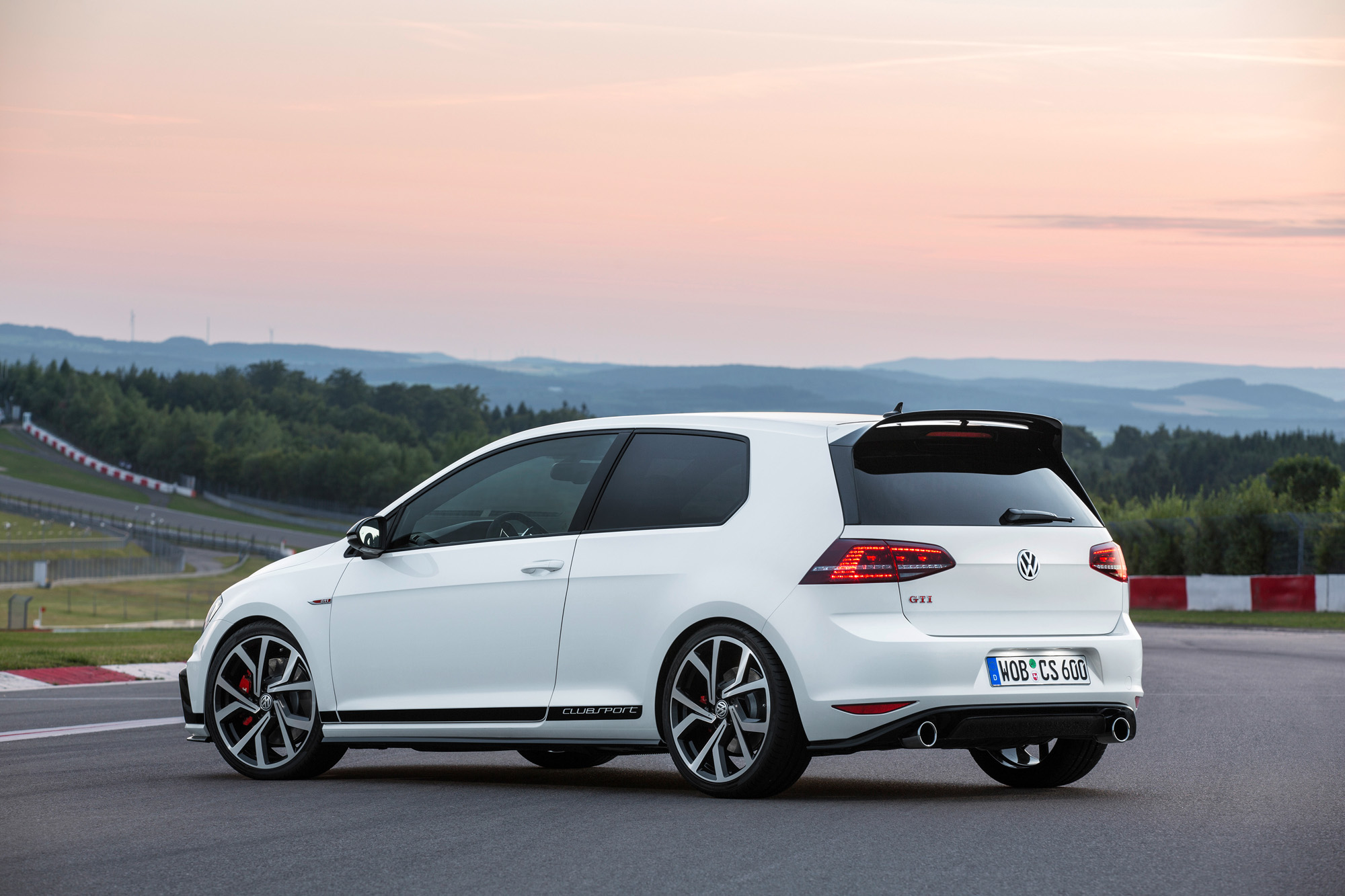 vw golf 7 gti clubsport bleibt trotz 265 ps ein kompromiss. Black Bedroom Furniture Sets. Home Design Ideas