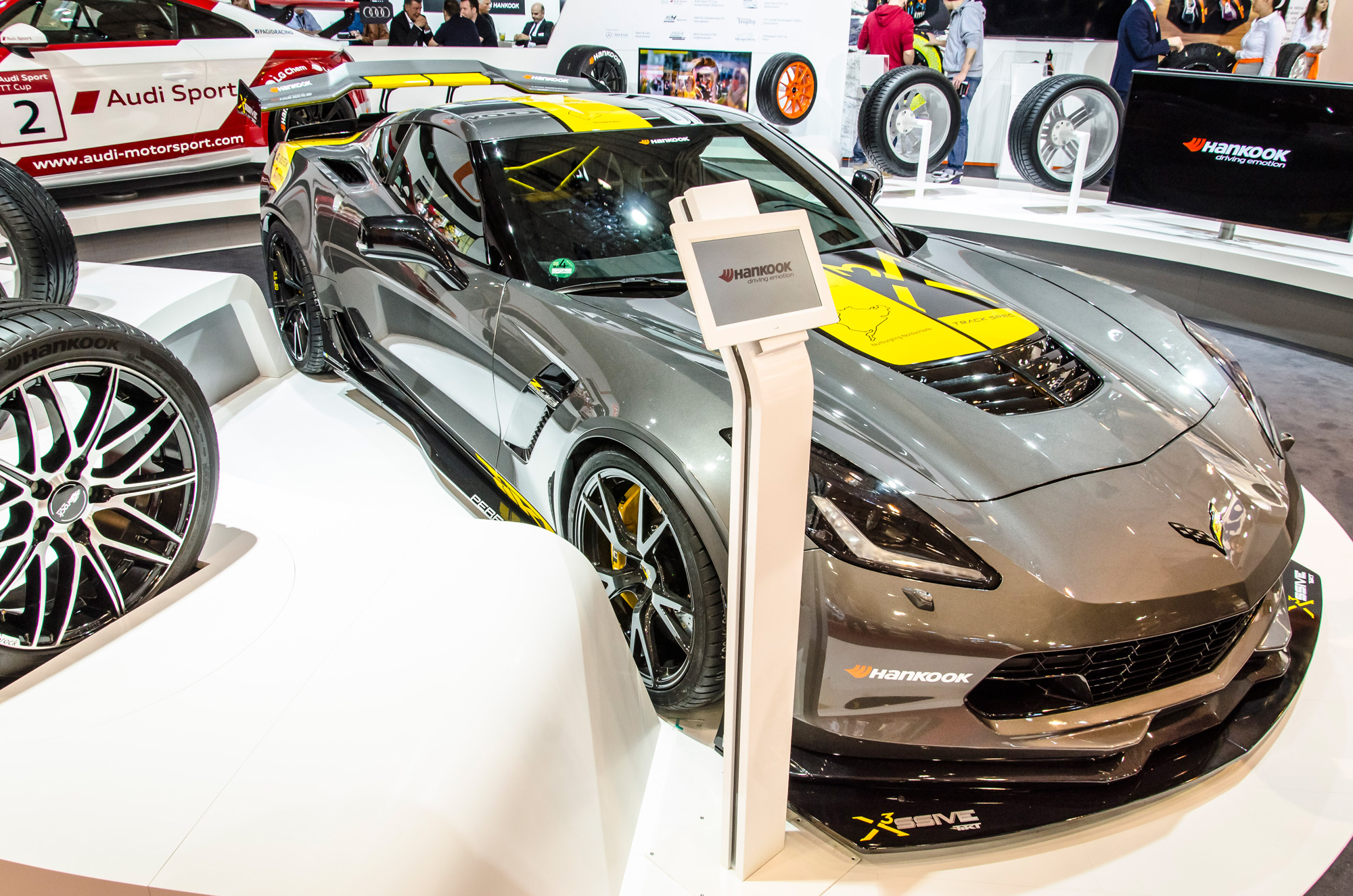 essen-motor-show-2015-preview-day-08