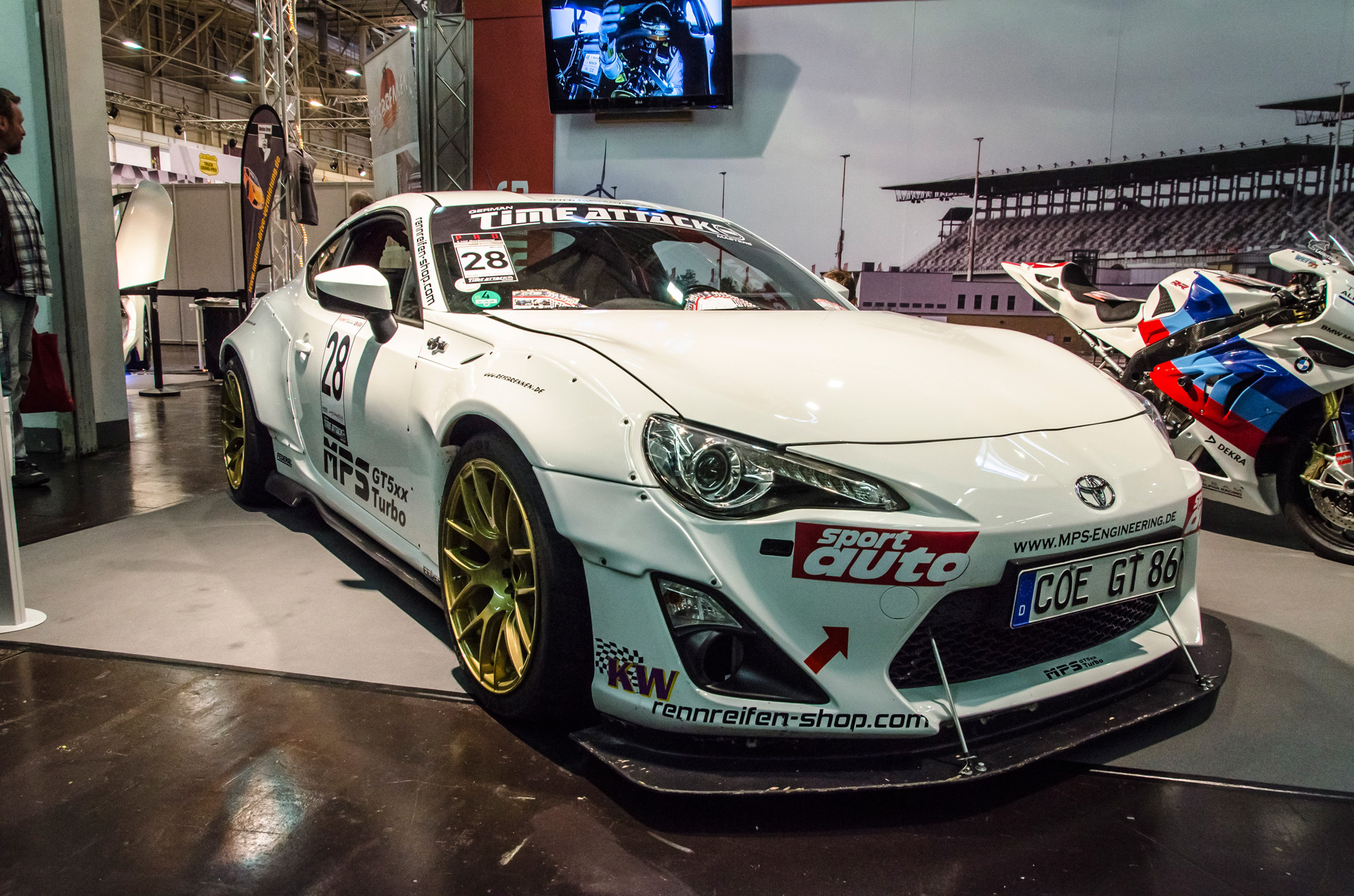 essen-motor-show-2015-preview-day-33