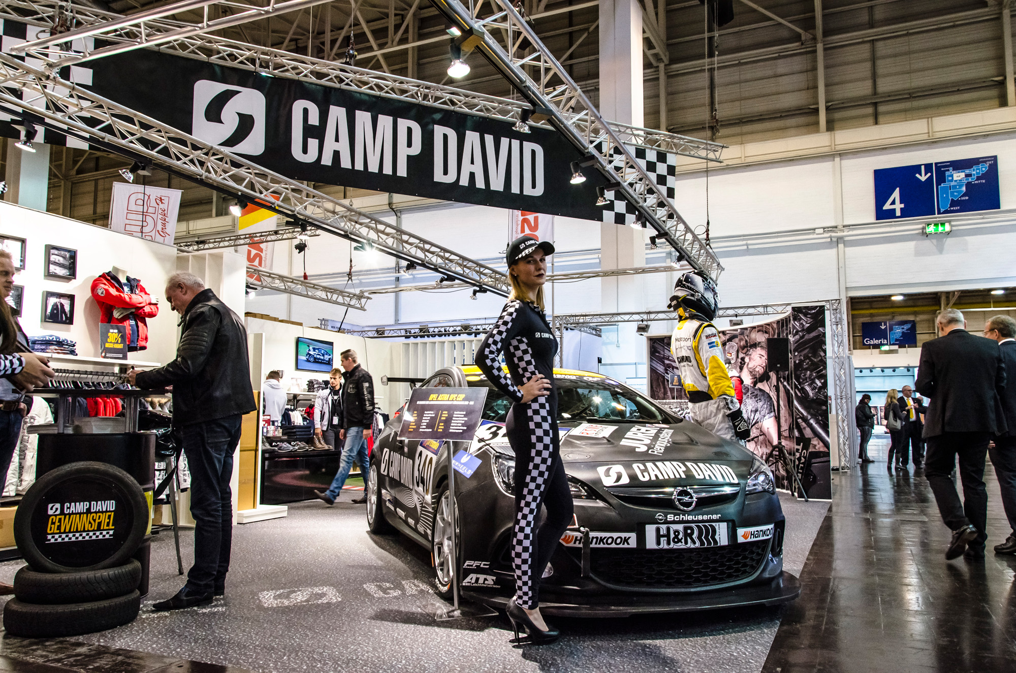 essen-motor-show-2015-preview-day-37