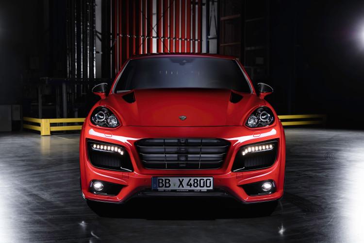 Bugansicht vom neuen Porsche Cayenne Magnum