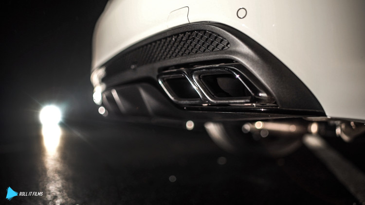 Original-Blenden, workshop-Sound: Der Mercedes-AMG C 63 S brüllt jetzt ordentlich durch die Endrohre.