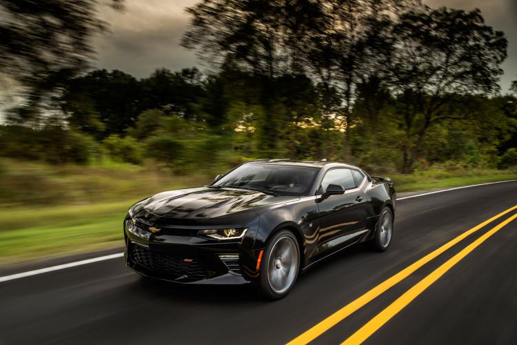 Abgespeckt und knackig geformt: Der Chevrolet Camaro SS hat rund 200 Kg weniger auf den Rippen als zuvor.