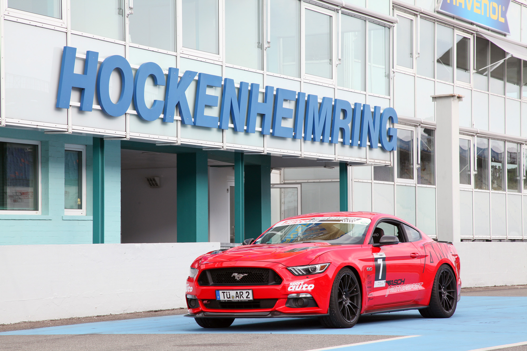 Clubsport-Paket mit Ring-Tauglichkeit: Der Ford Mustang giert nun auch nach scharfen Kurven.