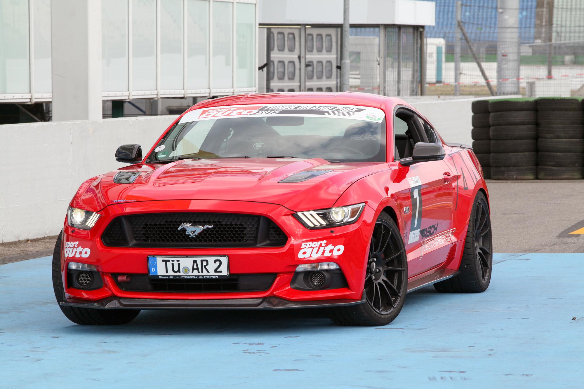 In der GT-Version kommt der Ford Mustang serienmäßig bereits auf über 400 Pferde.