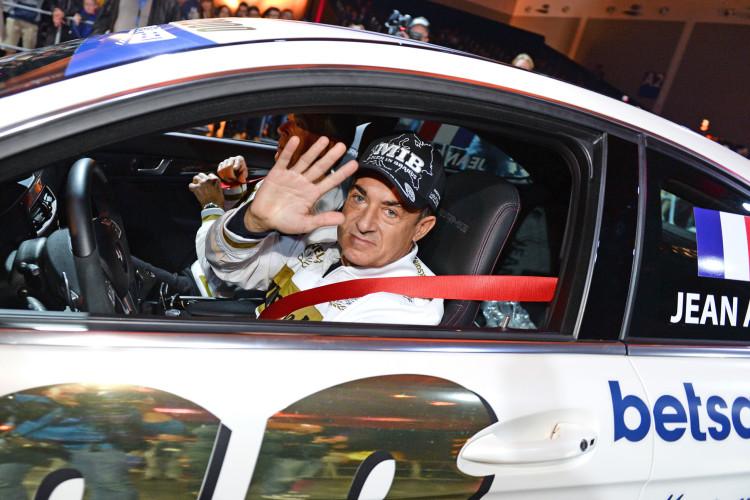 Ganz wie in alten Zeiten: F1-Fahrer Jean Alesi zeigte sich ebenfalls auf der Tuning World Bodensee 2016.