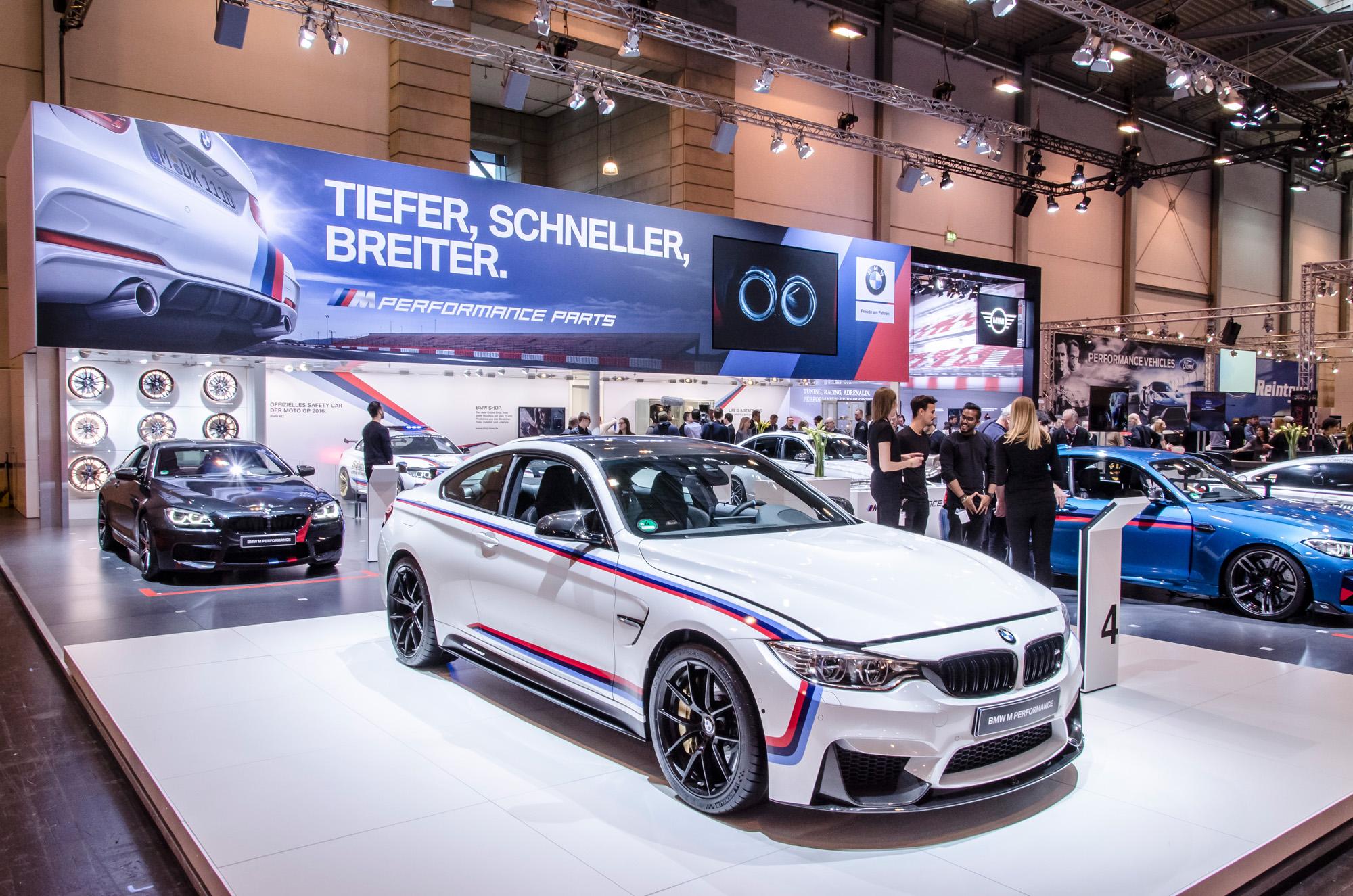 Nicht zu übersehen: Die neuen BMW M Performance-Pakete auf der Essen Motor Show 2016.