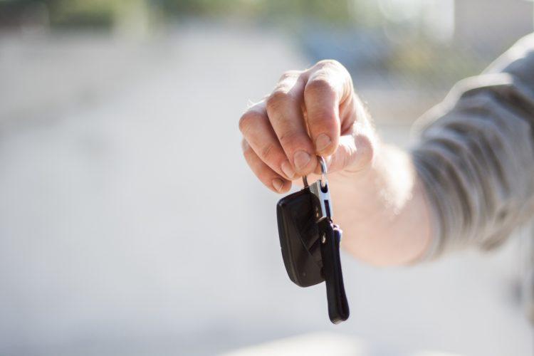 Vorsicht bei Funkblockern: Wer sein Auto nicht richtig abschließt, riskiert einen Autodiebstahl. / © Negative Space - pexels.com