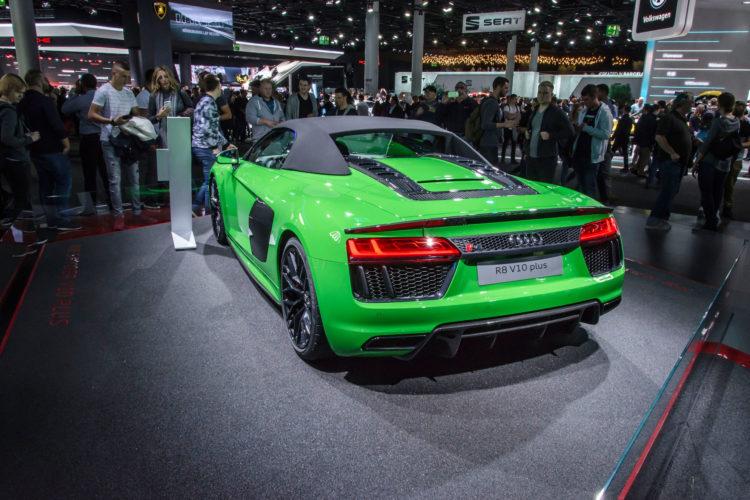 Weit entfernt vom Downsizing: Der Audi R8 V10 plus.