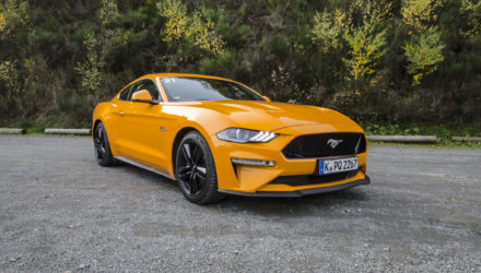 ford-mustang-gt-2018-tropical-orange-02