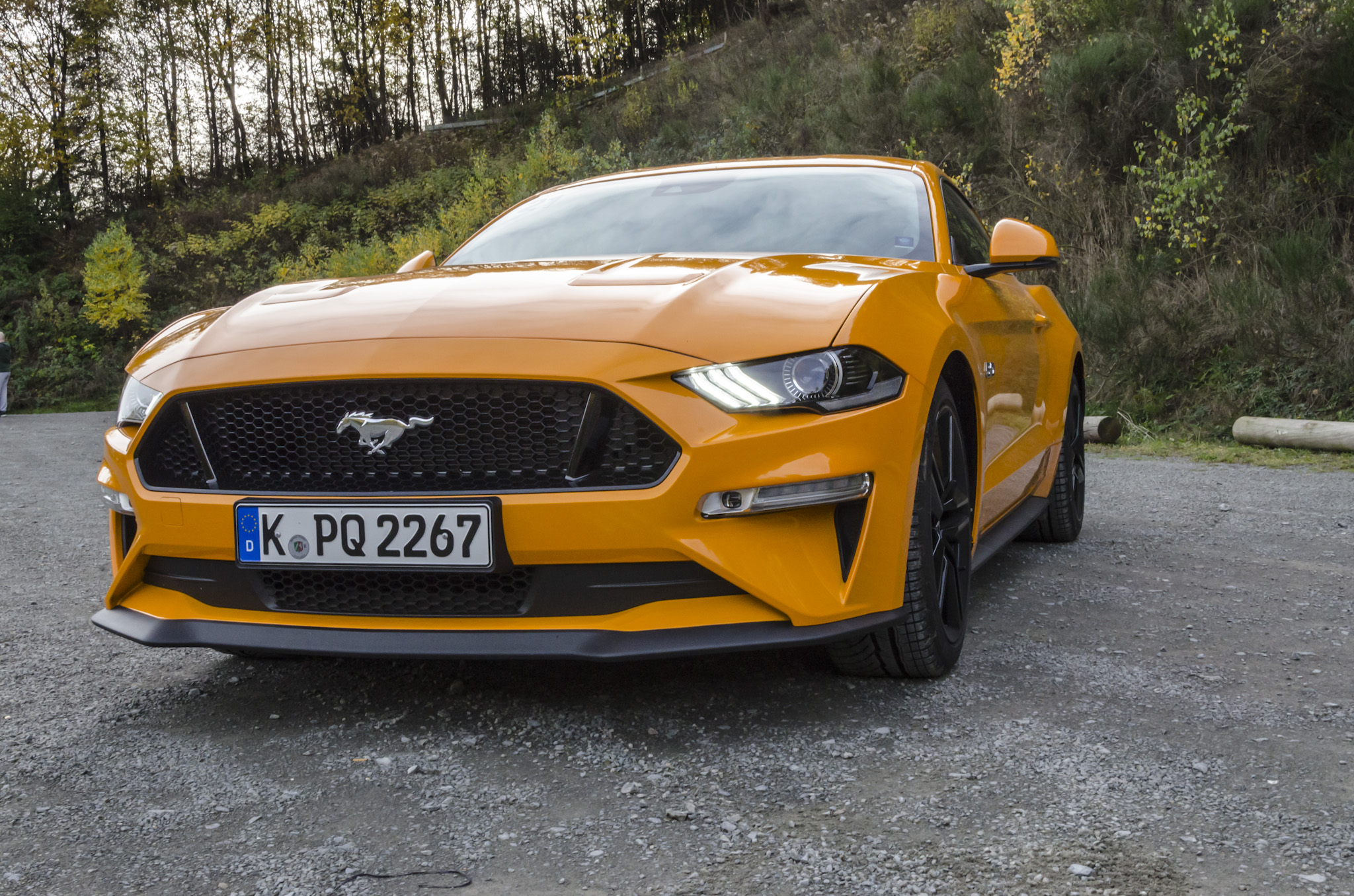 ford-mustang-gt-2018-tropical-orange-06