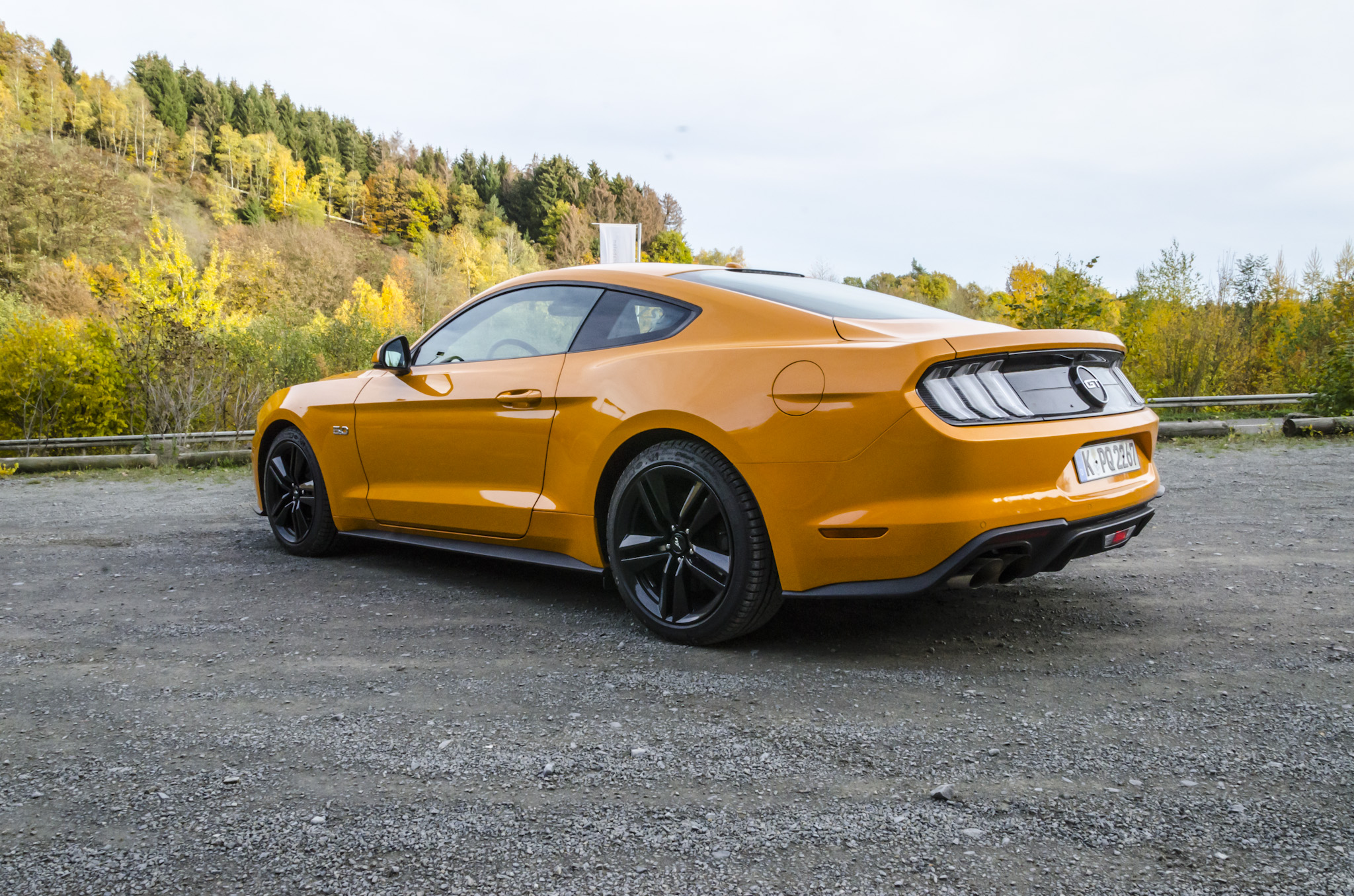 ford-mustang-gt-2018-tropical-orange-07