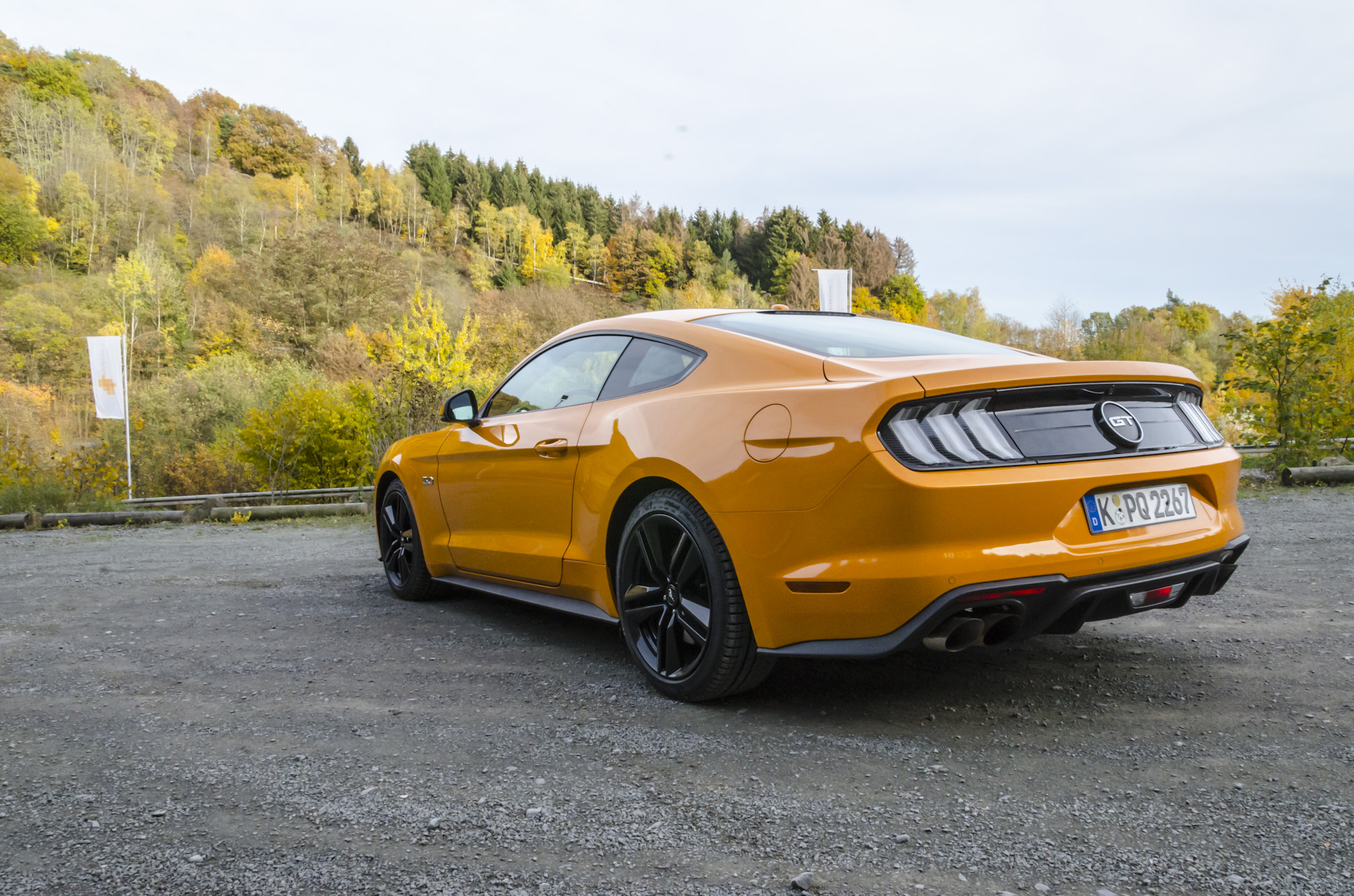 ford-mustang-gt-2018-tropical-orange-08