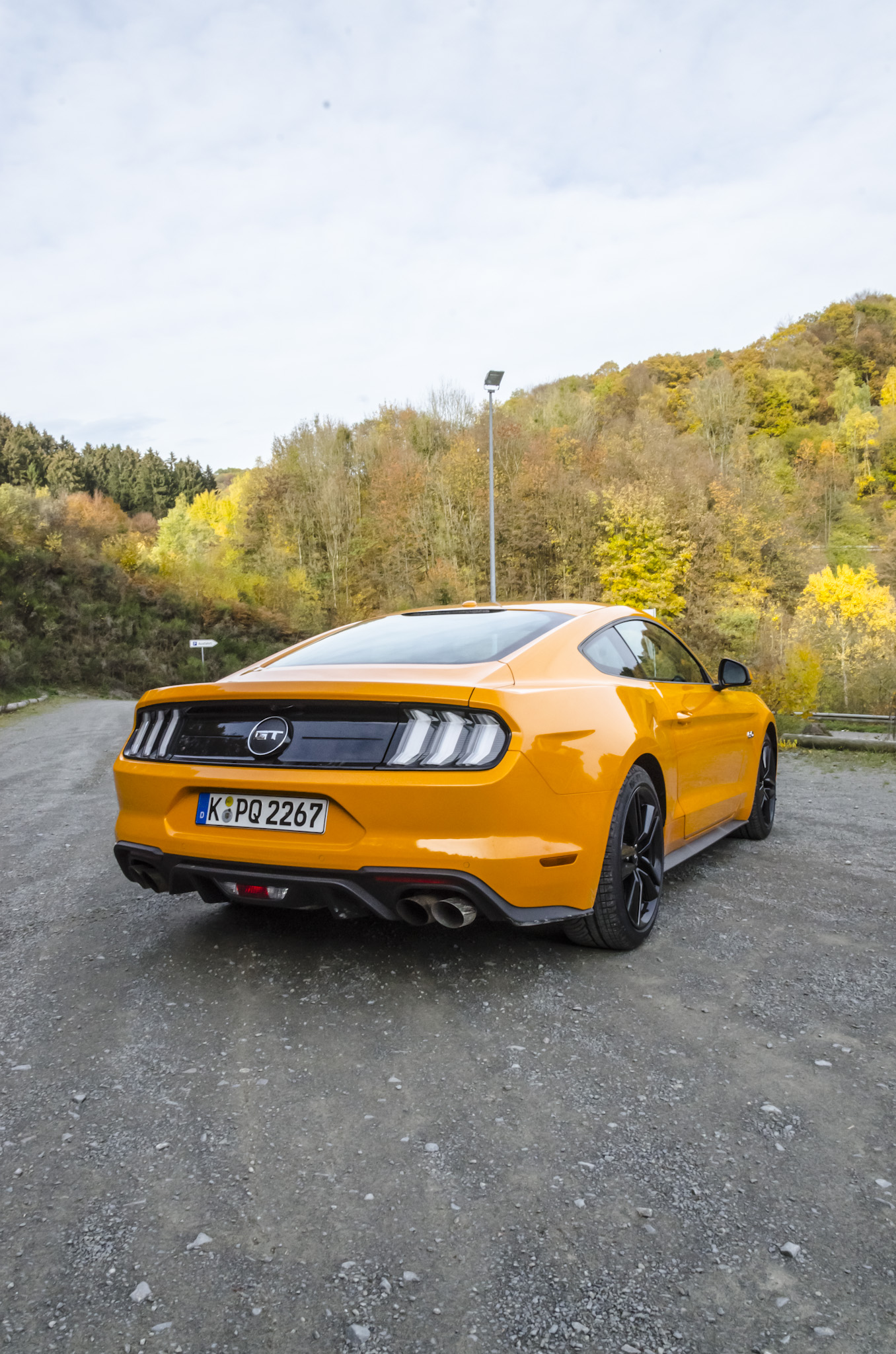 ford-mustang-gt-2018-tropical-orange-09