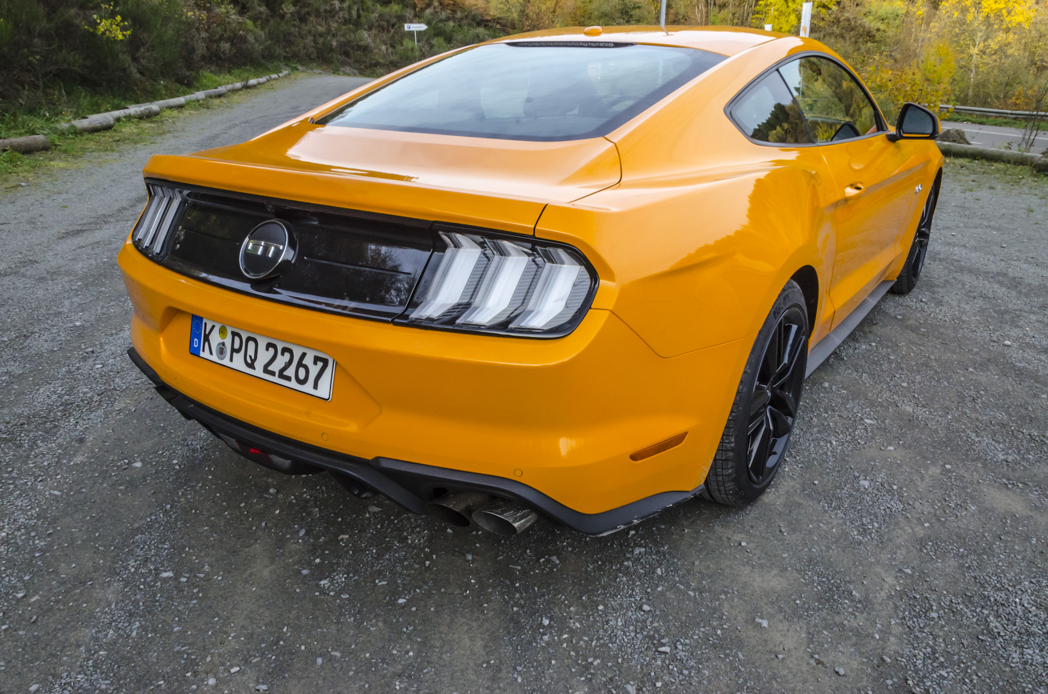 ford-mustang-gt-2018-tropical-orange-10